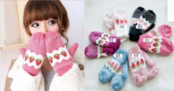 Jual Sarung Tangan Fashion Wanita Korea model Strawberry | Hand Gloves Tebal Kain Wol - 304 �